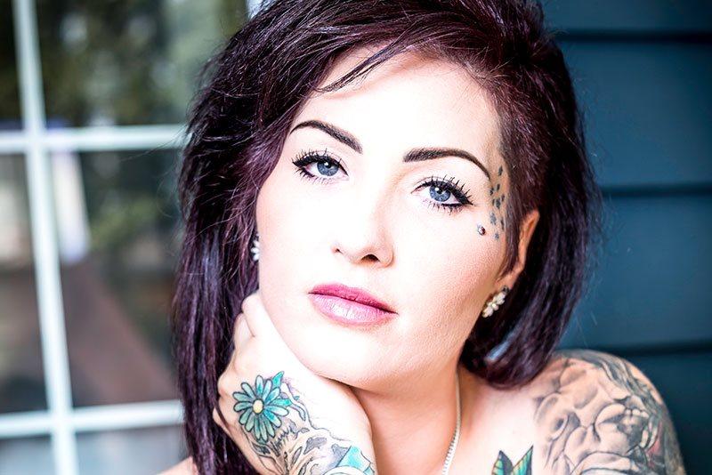 Tattooed MILF Amateur Pornstar Catherine Tayler